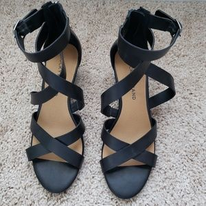 "Lucky Brand Black Wedge Sandal 2"" Wedge"